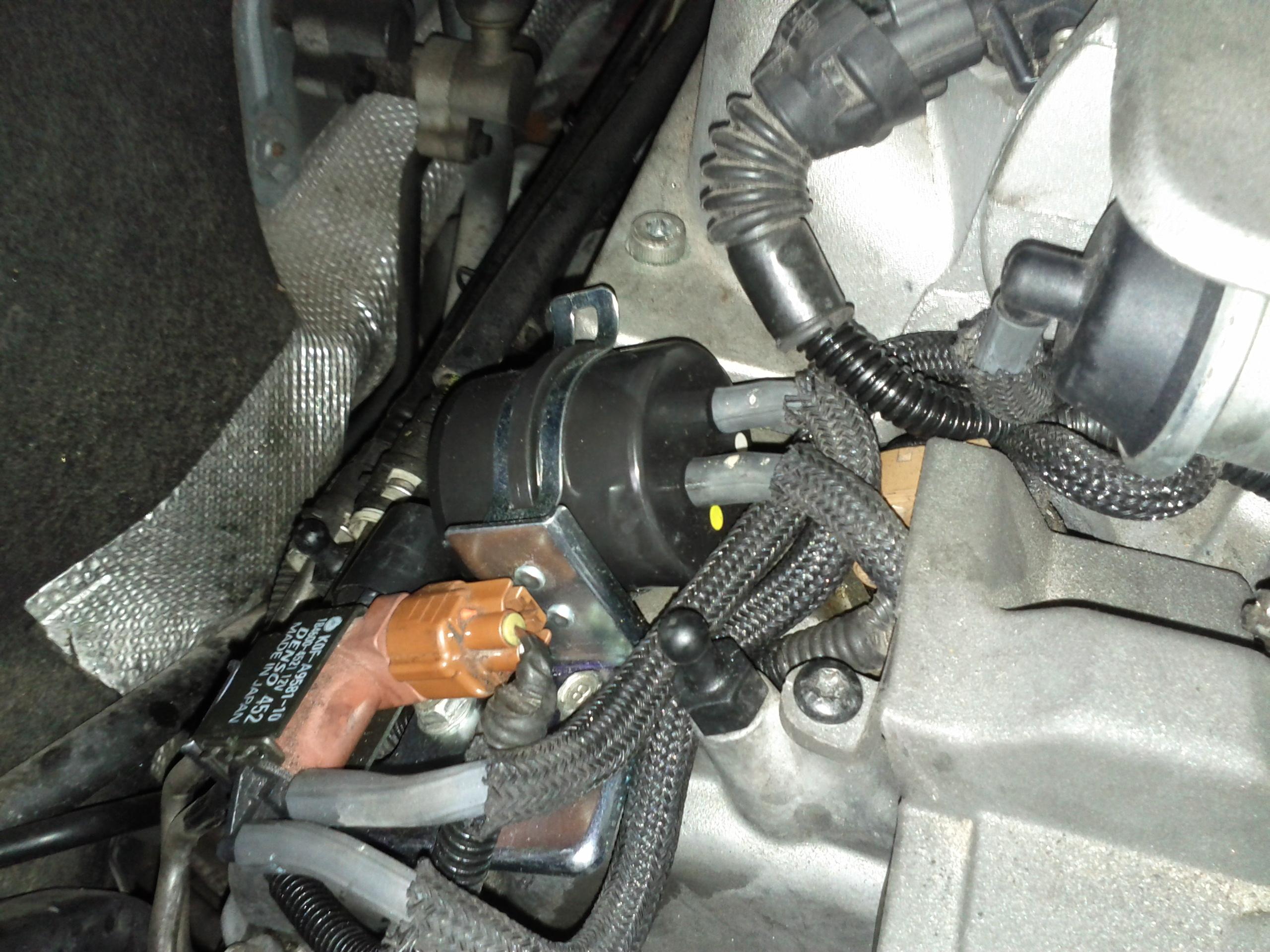Volvo OEM part number: 8687949